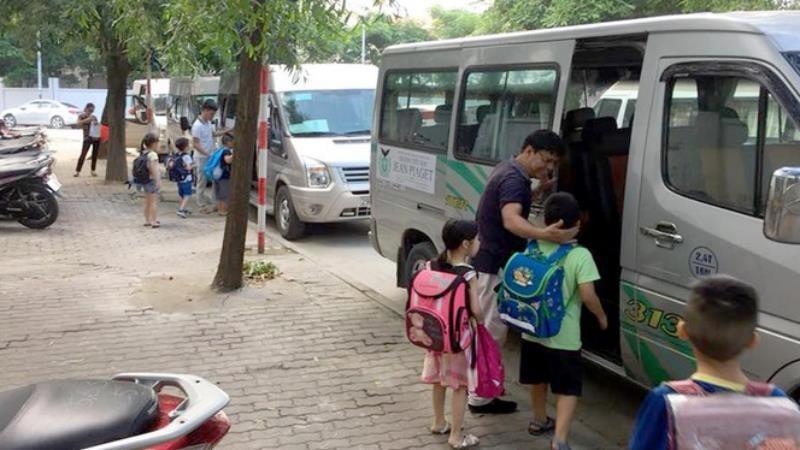 Hà Nội yêu cầu tổ chức dịch vụ ô tô đưa đón học sinh bảo đảm an toàn