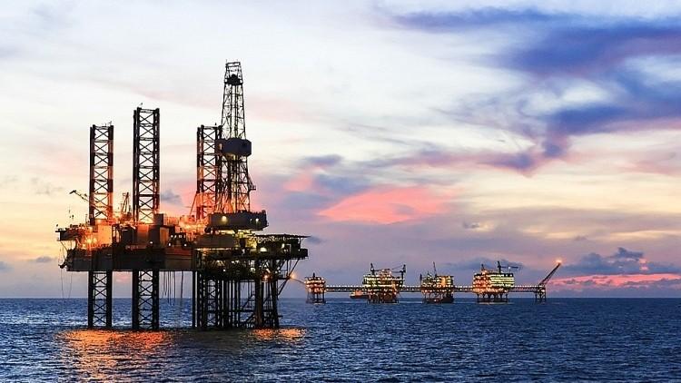 Ngành Dầu khí đối mặt nhiều khó khăn trong năm 2021