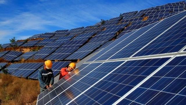 Hiện có 106 nhà máy điện mặt trời vận hành với tổng công suất khoảng 6.000 MW.