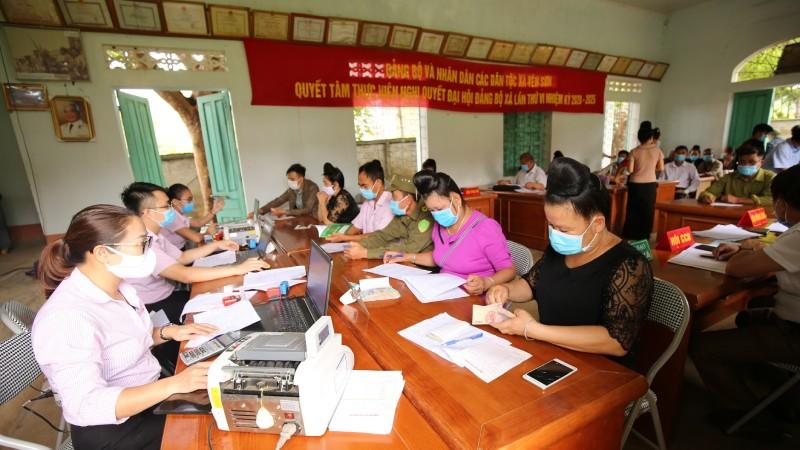 Điểm giao dịch xã của NHCSXH huyện Yên Châu (Sơn La).