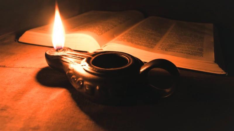 Nhớ ánh đèn dầu của Tết xưa