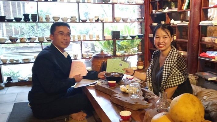 Chị N.T.Huệ tham gia BHXH tự nguyện cho 12 người thân trong gia đình. (Ảnh: BHXH Thừa Thiên - Huế).