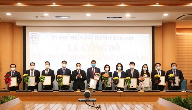 Chủ tịch Hà Nội bổ nhiệm 4 Giám đốc Sở và Chánh Văn phòng UBND thành phố - 1