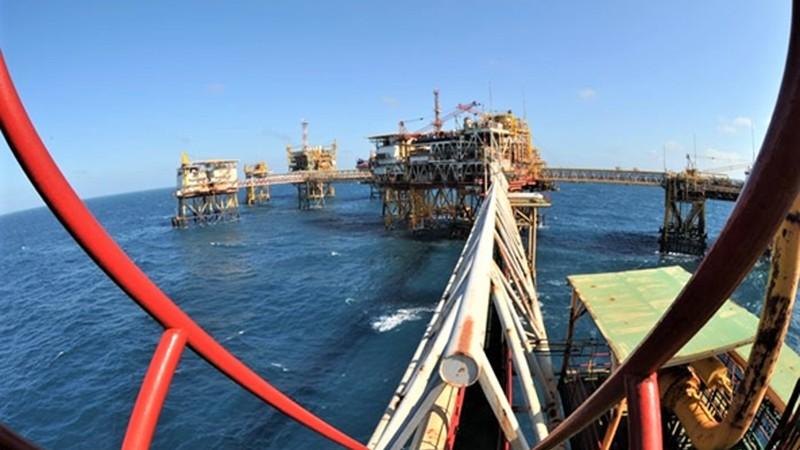 Đầu tư hơn 8.000 tỷ đồng thăm dò, khai thác dầu khí