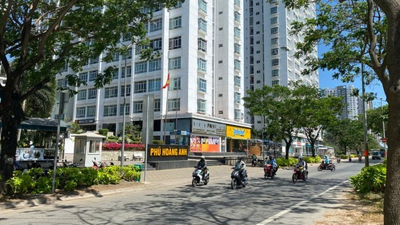 Chung cư Phú Hoàng Anh.