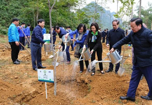 Quỹ 1 triệu cây xanh chính thức chạm đích với 1.121.000 cây xanh - Ảnh 2.