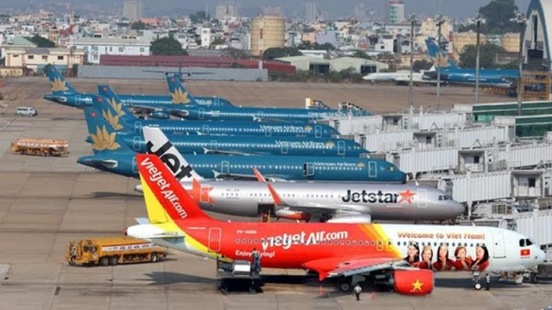 Các hãng bay đồng loạt tăng chuyến.