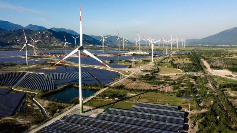 Tham vọng phát triển năng lượng tái tạo của Trung Nam