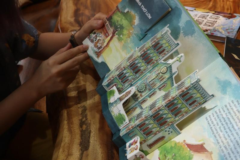 Những người trẻ mê vẽ Hà Nội