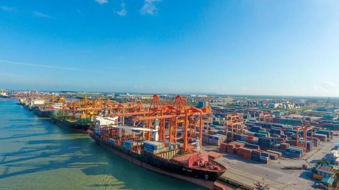 Hàng hóa thông qua cảng biển phát triển ấn tượng