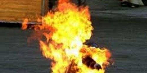 Nghi án chồng đánh chết vợ rồi tẩm xăng đốt
