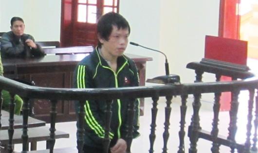 8 năm tù cho gã trai làng hiếp bé 5 tuổi