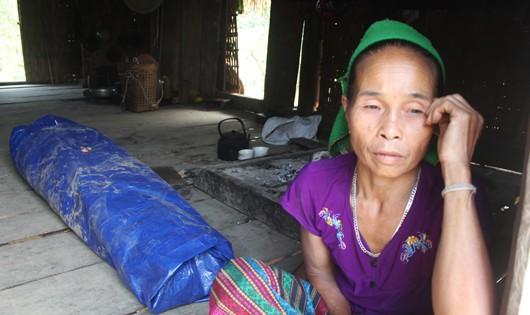 Vụ phu vàng tử nạn: 10 đứa con thơ khóc ngặt nghẽo đón bố 'về' nhà