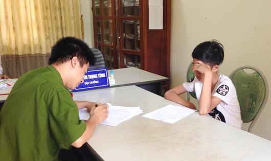 Trần Văn Tá tại CQĐT (ảnh Thái Hiền)