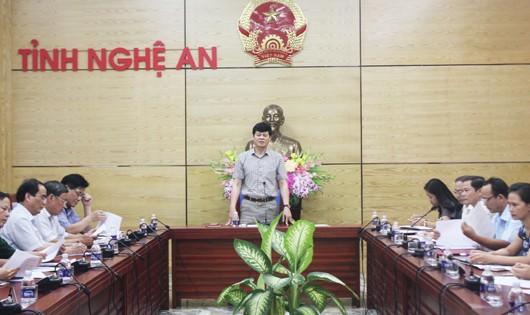 Phó chủ tịch UBND  tỉnh Nghệ An Lê Xuân Đại chủ trì hội nghị