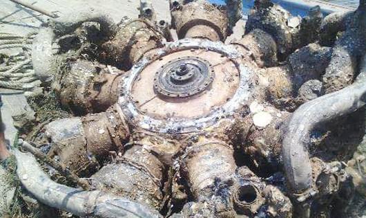 Khối kim loại được đưa lên từ dưới biển nghi của máy bay SU30-MK2 đã gặp nạn trước đó