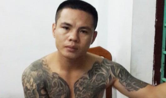 Bị bắt tại nhà bạn tù sau khi đâm hai người bị thương