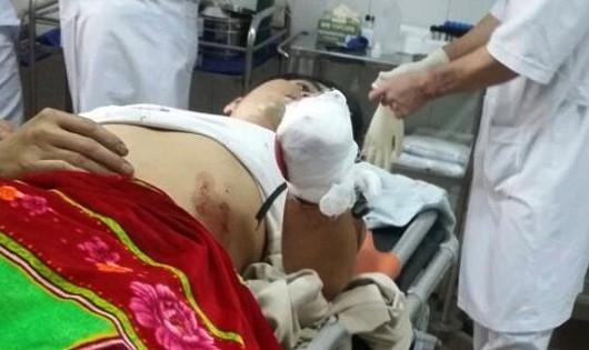 Nạn nhân đang được cấp cứu theo dõi tại bệnh viện