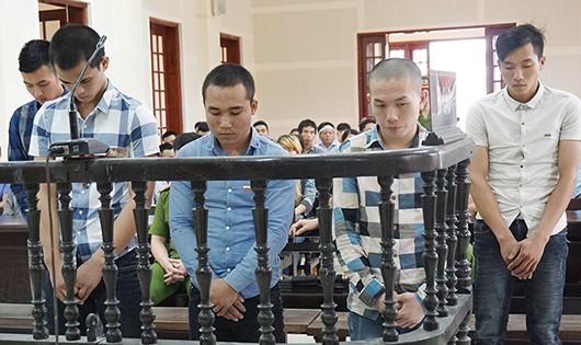 Các bị cáo trong vụ án nhận 23 năm tù và 15 tháng tù treo.