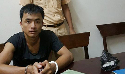 Thuê ô tô từ Nghệ An sang Hà Tĩnh mua 2 bánh heroin