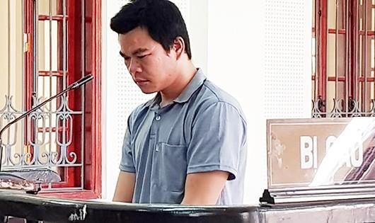Hoàng Văn Ka nhận 10 năm tù giam cho tội hiếp dâm trẻ em.