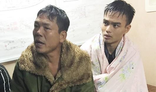 Cứu thành công ba thuyền viên bị sóng đánh chìm trên biển