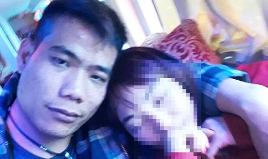 """Kẻ trốn nã bị bắt trong tình trạng """"phê thuốc"""" khi đang ở trong nhà nghỉ với người tình"""
