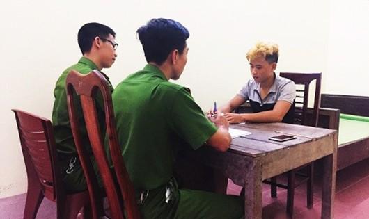 Lê Đình Tuyền tại CQĐT (ảnh Công an huyện Đức Thọ cung cấp)