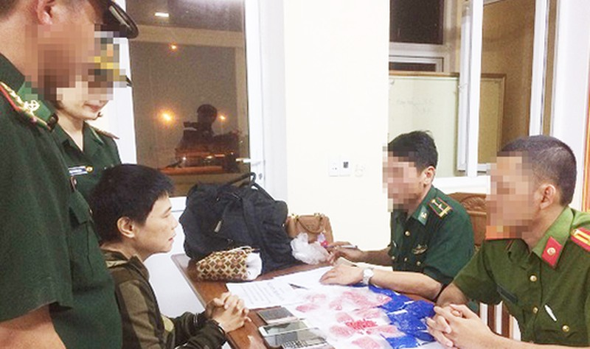 Nguyễn Thị Hà Vân bị bắt khi vừa qua cửa khẩu Cầu Treo (ảnh Công an Hà Tĩnh cung cấp)