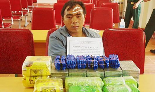 Thầy giáo Vừ Bá Xênh bị bắt khi đang vận chuyển một lượng lớn ma túy qua biên giới.