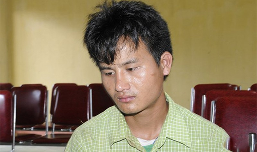 Đối tượng Phoong Xồng bị bắt giữ khi đang mang 3.000 viên ma túy tổng hợp vào biên giới Việt Nam