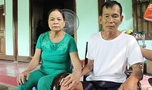 Hai vợ chồng ông Bình bà Hợp sau gần 27 năm đã được đoàn tụ