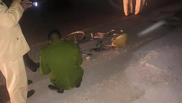 Ôtô tông hàng loạt người bên đường, 1 người tử vong