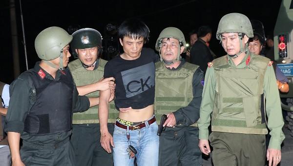 Cảnh sát khống chế bắt giữ thành công một đối tượng