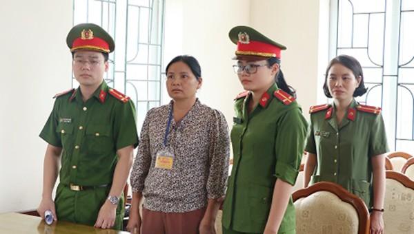 CQĐT khởi tố Hoàng Thị Hậu về tội Lừa đảo chiếm đoạt tài sản