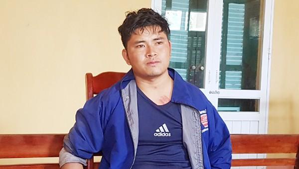 Thoong Đăm Khăm Viêng Xay bị bắt khi đang mang theo 5.200 viên ma túy và 1kg thuốc phiện.