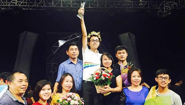Trần Thế Trung trở thành niềm tự hào của Trường THPT Chuyên Phan Bội Châu nói riêng và người dân xứ Nghệ nói chung