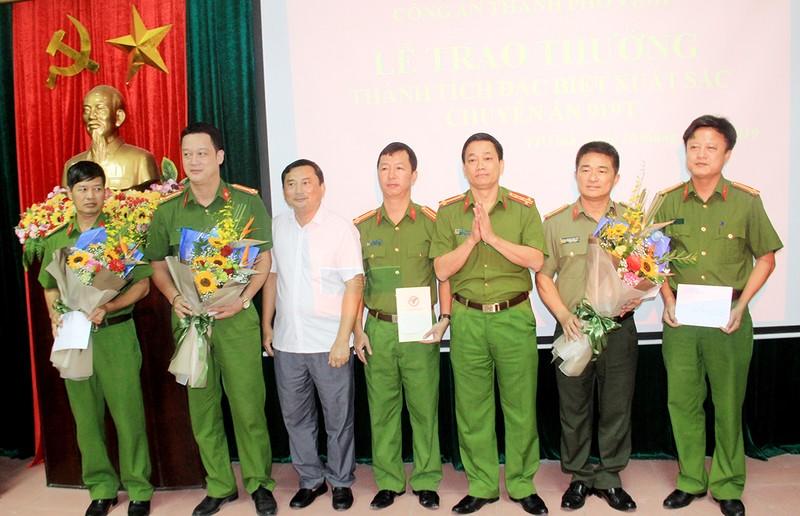 Bộ Công an, Công an tỉnh Nghệ An và UBND TP Vinh khen thưởng Ban chuyên án.