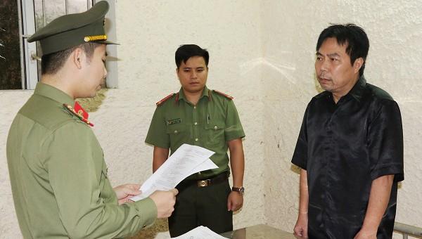 Cơ quan An ninh điều tra đọc quyết định khởi tố, tạm giam đối tượng Nguyễn Minh Cầm.