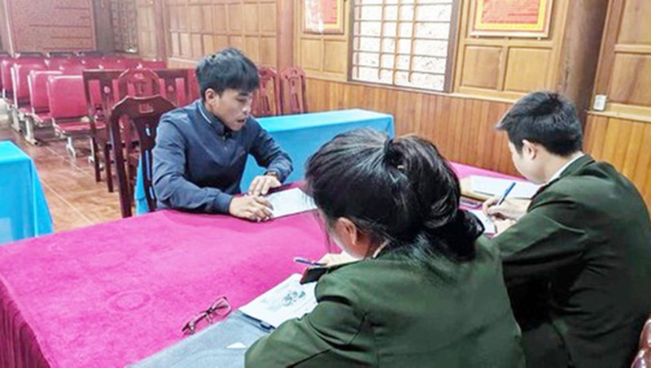 Cảnh sát triệu tập hai thanh niên đăng tin thất thiệt về dịch bệnh nCoV