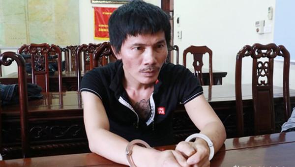 Đối tượng Phan Văn Phiên tại CQĐT (ảnh Quỳnh Trang).