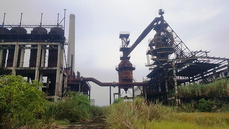 Nhà máy thép Vạn Lợi phá sản bỏ hoang nhiều năm tại khu kinh tế Vũng Áng Hà Tĩnh.