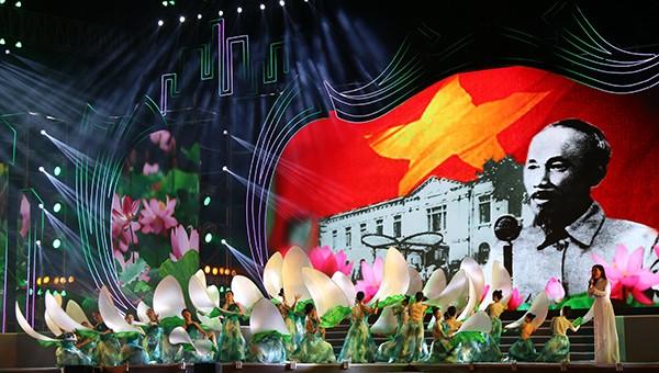 Chủ tịch Quốc hội tham dự Lễ kỷ niệm 990 năm Danh xưng Nghệ An
