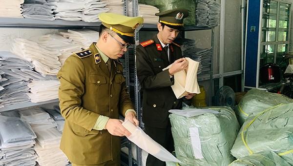 Kiểm tra phát hiện một lượng lớn đai nịt bụng do nước ngoài sản xuất nhập lậu.