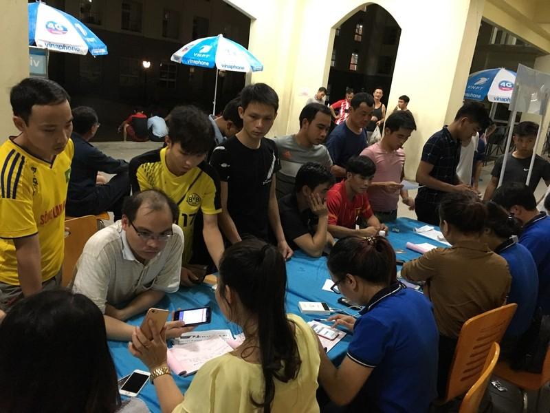 Hà Tĩnh: Nhiều nhà mạng bán chạy SIM sau bão