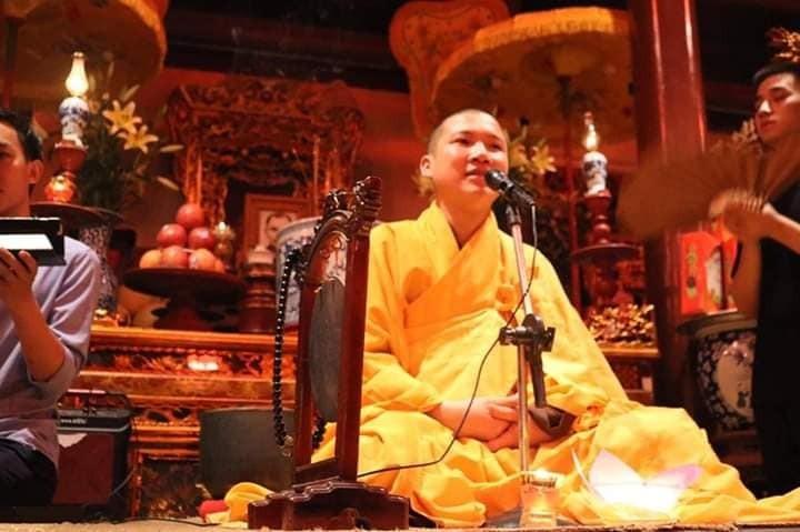Ông Nguyễn Hồng Sơn (Thích Đạo Huấn) dù chưa học xong Trung cấp Phật học vẫn tự nhận mình là trụ trì, rao giảng Phật pháp.
