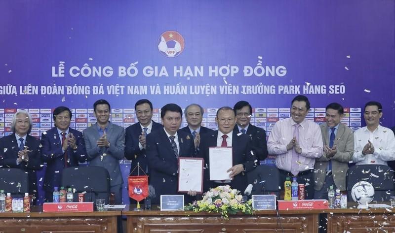 Chê ông Park Hang seo, HLV Lê Thụy Hải bị 'nhắc nhở'