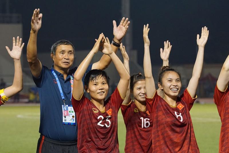 Bóng đá nữ sẵn sàng trước trận đấu bảo vệ ngôi vị vô địch