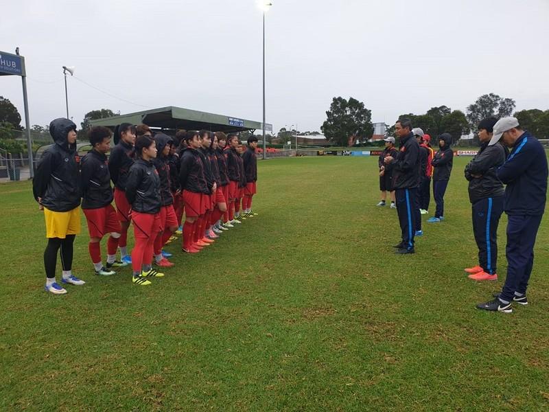 Đội tuyển nữ hạ cánh ở Australia, hào hứng chuẩn bị trận play- off