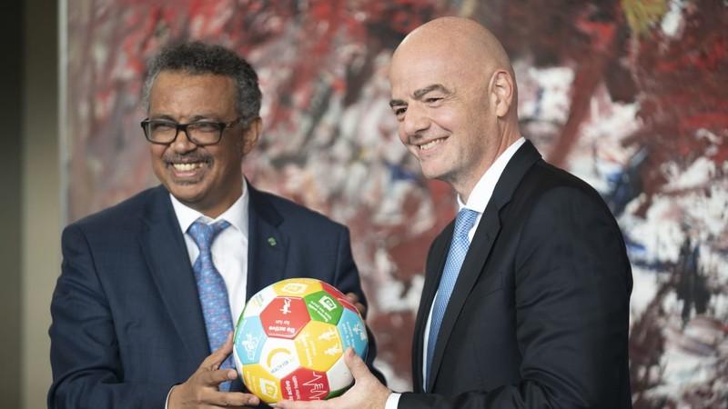 Chủ tịch FIFA Gianni Infantino: 'Không có giải đấu nào xứng đáng để chúng ta phải đánh đổi sinh mạng'